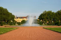 Brunnen am Park Metz Frankreich des Arsenals stockfoto