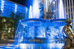 Brunnen Quadrat Lizenzfreie Stockfotos