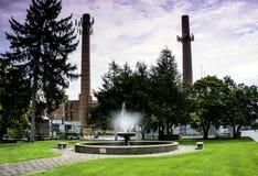 Brunnen und Kraftwerk Lizenzfreie Stockbilder