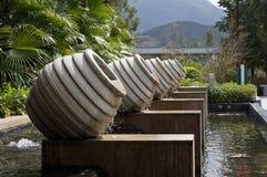 Brunnen vom Steinbottich Lizenzfreie Stockfotos