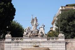 Brunnen von Neptun, Piazza Del Popolo in Rom Stockbilder