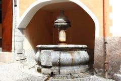 Brunnen von Seufzern, großer Wasserspeier in Briançon, Frankreich Stockbild