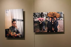 BRUNO BARBEY 'S photographic exhibition. Kodachrome of China,1973-1980, Bruno Barbey photographic exhibition and October 25 in Shanghai, China World Trade Center stock images