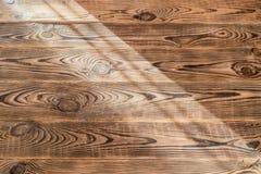 Brunt åldrades naturlig wood textur Arkivbild