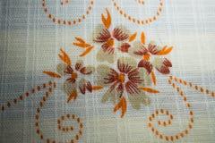 Brunt blommar tygtextur Royaltyfria Bilder