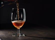 brunt exponeringsglas för öl Royaltyfri Bild