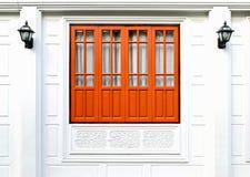 brunt fönster Arkivbilder