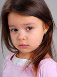 brunt flickahår little royaltyfria bilder