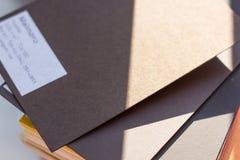 Brunt kort för formgivare Arkivfoton