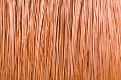 Brunt tak från gräs Arkivbilder