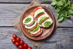 Bruschetta用蕃茄 库存图片