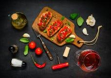 Bruschetta με το ροδαλό κρασί Στοκ Εικόνες