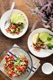 Bruschetta σαλάτας και αβοκάντο υγιής χορτοφάγος τροφίμων Στοκ εικόνες με δικαίωμα ελεύθερης χρήσης
