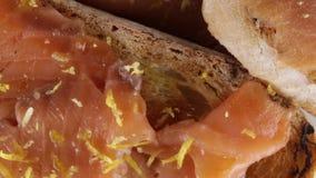 Bruschetta с семгами сток-видео