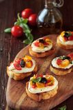 Bruschetta с томатами и моццареллой Стоковые Фотографии RF