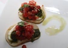 Bruschetta asado de la pimienta con cilantro imagenes de archivo