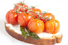 Bruschetta with baked tomatoes Royalty Free Stock Images