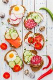 Bruschetta casalingo Mini panini Tapas spagnoli tradizionali Fotografia Stock