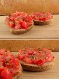 Bruschetta do italiano/Toscânia com pão dietético Imagens de Stock Royalty Free