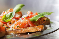 Bruschetta do tomatoe do close-up Imagens de Stock