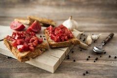 Bruschetta italiano del tomate fotos de archivo