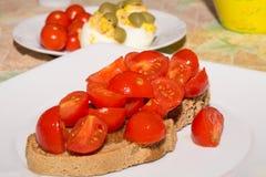 Bruschetta med tomater och olja Arkivfoton