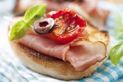 Bruschetta met de ham van Parma Royalty-vrije Stock Foto's