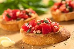 Bruschetta mit Tomate lizenzfreie stockfotos