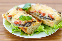 Bruschetta with mushrooms and cheese Royalty Free Stock Photos