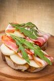 Bruschetta saboroso com bacon Imagens de Stock Royalty Free