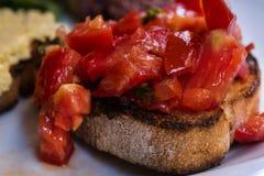 Bruschettas ντοματών, χορτοφάγα bruschettas στοκ εικόνες