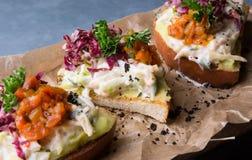 Bruschette avec de la salade de crabe Photo stock