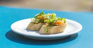 Bruschette avec des saumons Image stock