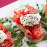 Bruschette avec la tomate et le basilic photos libres de droits