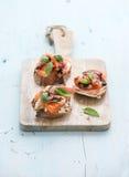 Bruschettes avec le Prosciutto, melon rôti, doux Image stock