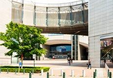 BRUSELAS, BÉLGICA - 16 de junio de 2016: Exterior del edificio de Imagenes de archivo