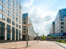 BRUSELAS, BÉLGICA - 16 de junio de 2016: Exterior del edificio de Imagen de archivo libre de regalías