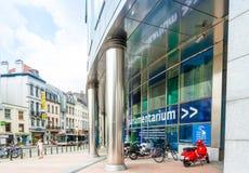 BRUSELAS, BÉLGICA - 16 de junio de 2016: Exterior del edificio de Fotografía de archivo