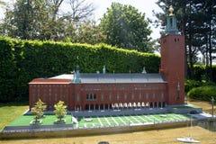 BRUSELAS, BÉLGICA - 13 DE MAYO DE 2016: Miniaturas en el parque Mini-Europa - reproducciones de monumentos en la unión europea en Imagenes de archivo
