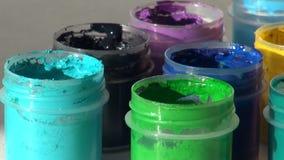 brusher 丙烯酸酯的树胶水彩画颜料油漆 家庭作业,艺术家运作 影视素材