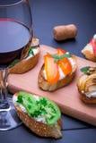 Brushetta установило для вина Стоковое фото RF