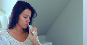 brushing her teeth woman απόθεμα βίντεο