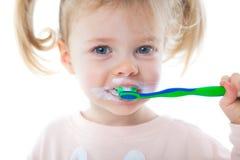 brushing teeth fotografering för bildbyråer