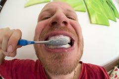 brushing teeth tand- hygien Arkivbild