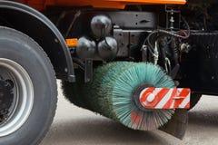Brushs машины чистки улицы - близкое поднимающее вверх Стоковая Фотография