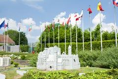 BRUSSEL, BELGIË - 13 MEI 2016: Miniaturen bij het park mini-Europa - reproducties van monumenten in de Europese Unie bij een scha Royalty-vrije Stock Afbeelding