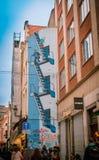 Brussel, België, 31 Mei, 2018: Muurschilderij van Tintin en Kapitein Haddock in zijn land van verwezenlijking stock fotografie