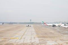 Brussel/België-09 08 18: Van de Luchthavenbelgië van Brussel het vliegtuig pist landingsbanen stock afbeelding