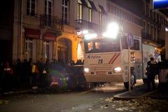 BRUSSEL - NOVEMBER 25, 2017: De relpolitie die orde in Brussel na een vreedzaam protest herstellen tegen de slavernij werd hevig royalty-vrije stock afbeelding