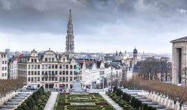 Brussel onder de wolken stock foto's